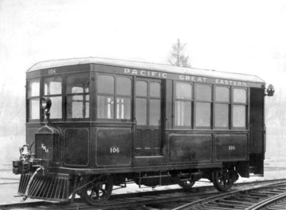 Pacific Great Eastern(BC Rail 附屬公司)於 1914 到 1928 年用來服務北溫和西溫之間的汽油驅動 Interurban。(City of Vancouver Archives)